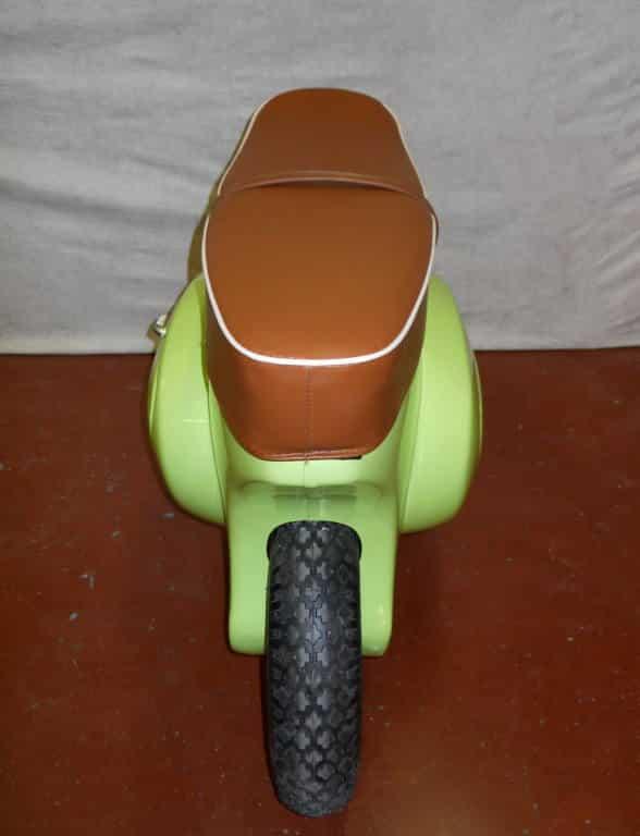 vespa Wheeled Stool