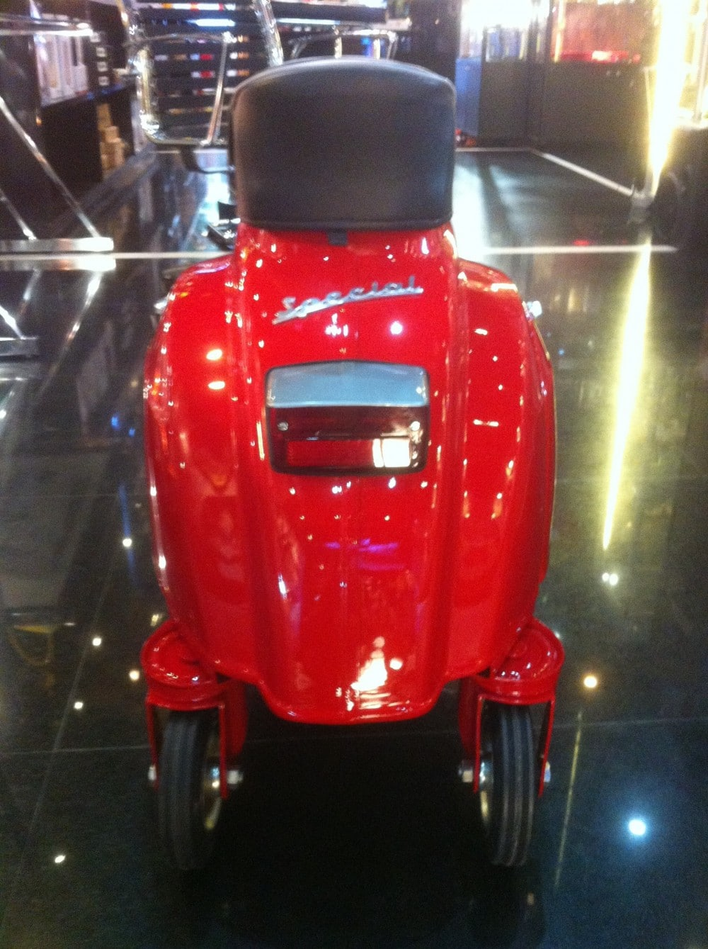 Vespa Wheeled Stool FerrariRed Rear