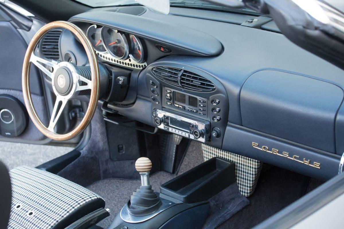 Porsche_Boxster_RetroMod_interior