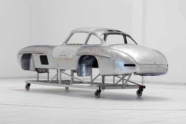 Mercedes 300 gullwing body shell tail2